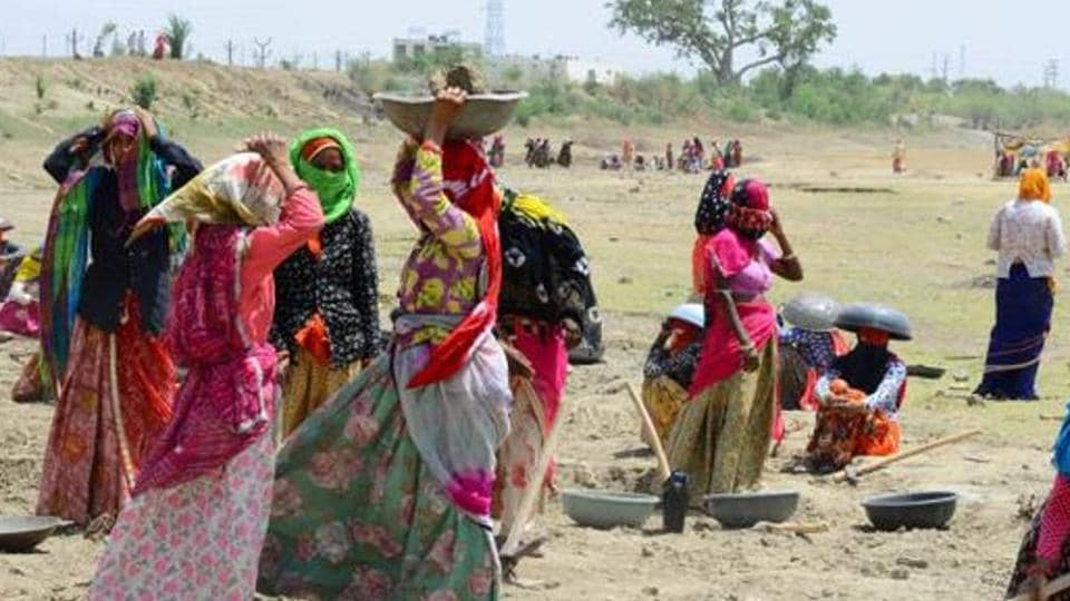 Centre left with mere 10% NREGA funds as scheme sees 243% jump in Corona times