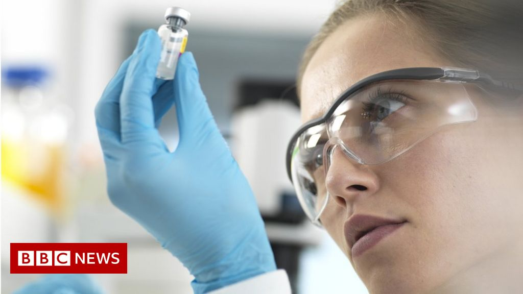 Covid: Trials to test combination of Oxford and Sputnik vaccines