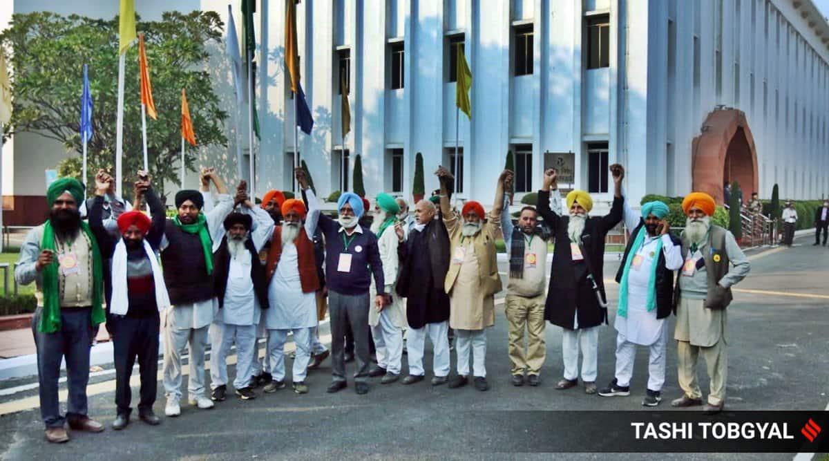 Farmers' Protest Live Updates: Farmers arrive; Tomar, Piyush Goyal lead talks at Vigyan Bhawan
