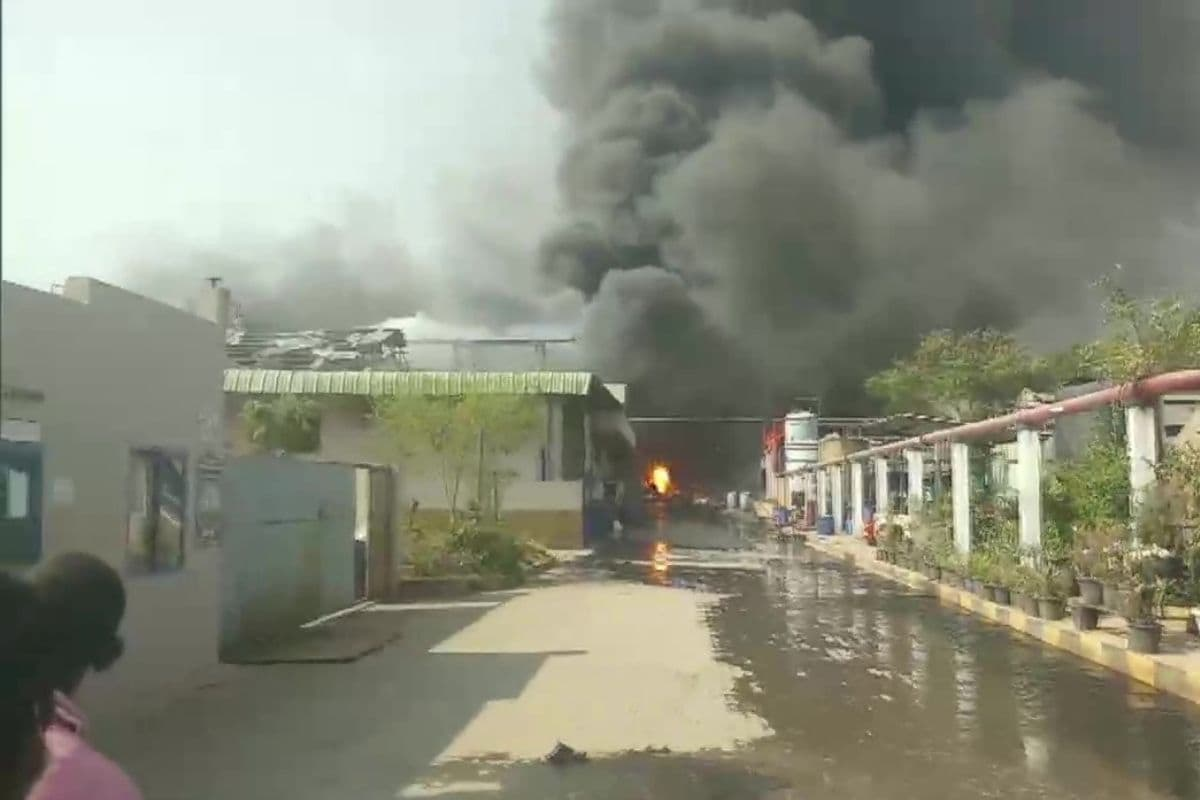 Massive Fire Breaks Out at Chemical Factory in Sangareddy District Near Hyderabad, 8 Injured