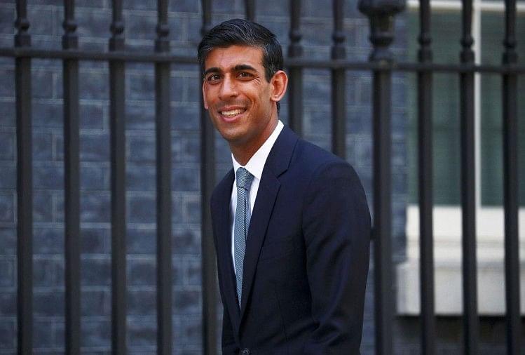 Covid-19: ब्रिटेन के वित्त मंत्री ऋषि सुनक ने चेताया, आर्थिक झटके के लिए तैयार रहें