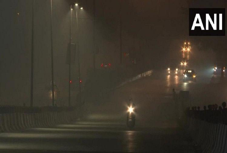 नाफरमानीः आतिशबाजों ने किया दिल्ली का बुरा हाल, खूब चले पटाखे,  हवा की हालत 'गंभीर'
